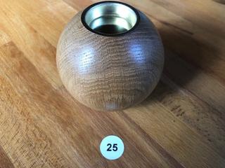 Holzkugel mit Kerze hell Nr. 25