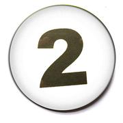Button 59mm mit Zahlenreihe weiß