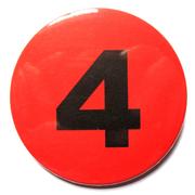 Button 59mm mit Zahlenreihe rot